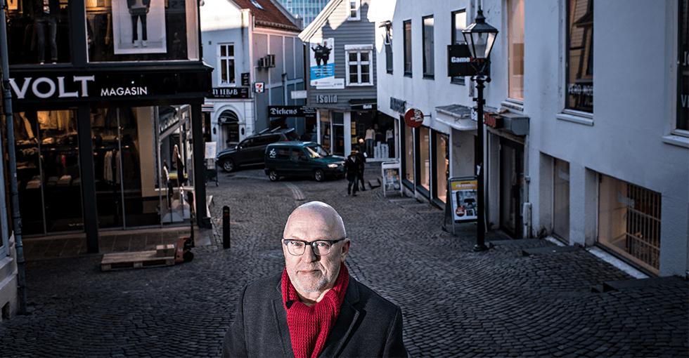 Sven Egil Omdal i sentrum