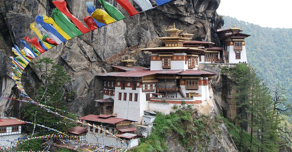 Hus bygget i bratte fjellsider