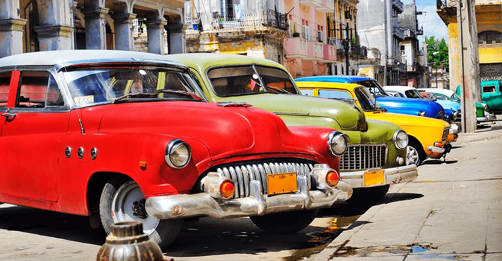 Gamle biler på Cuba
