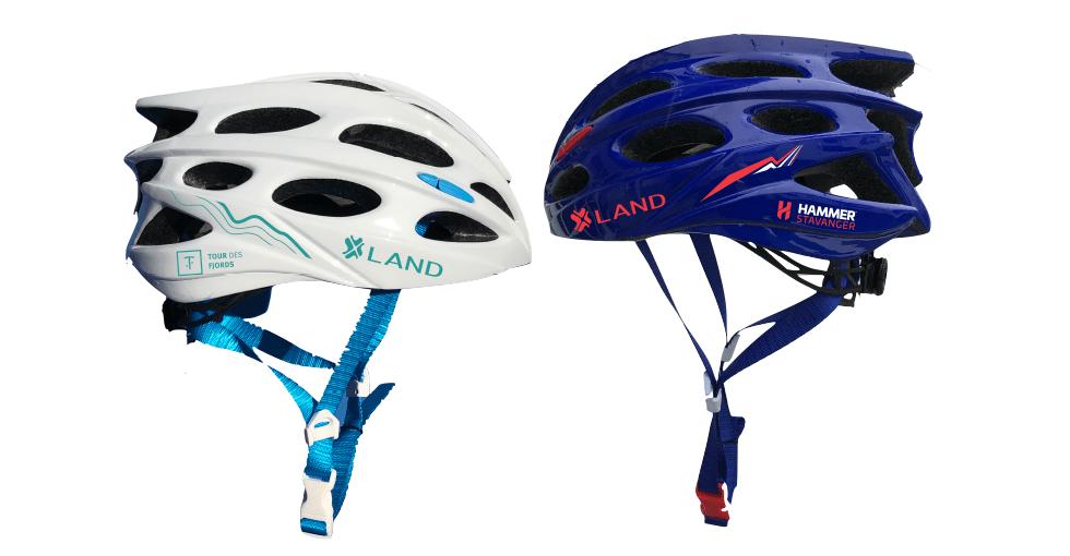 To sykkelhjelmer